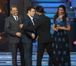 Salman, Shahrukh at Star Guild Awards