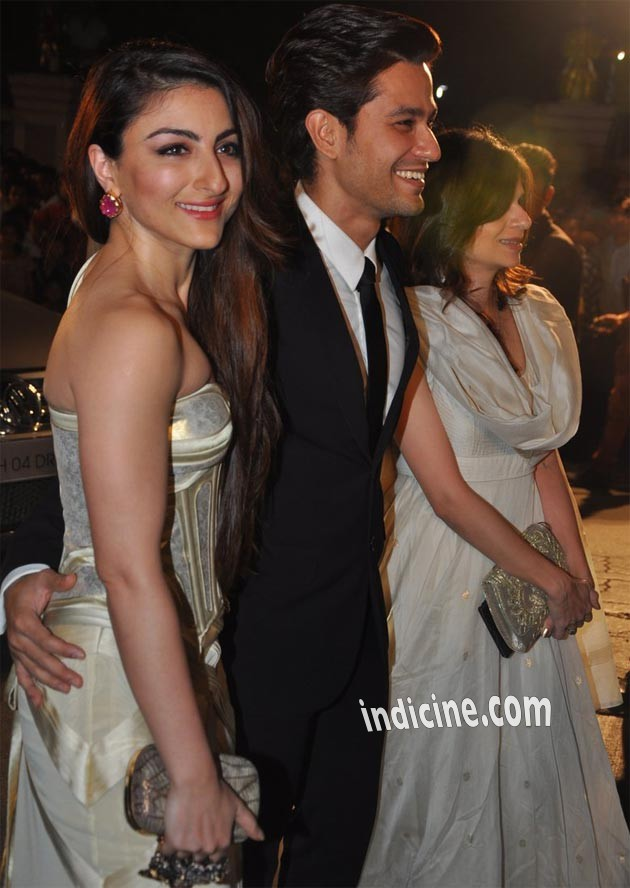 Soha Ali Khan, Kunal Khemu at Filmfare Awards 2014
