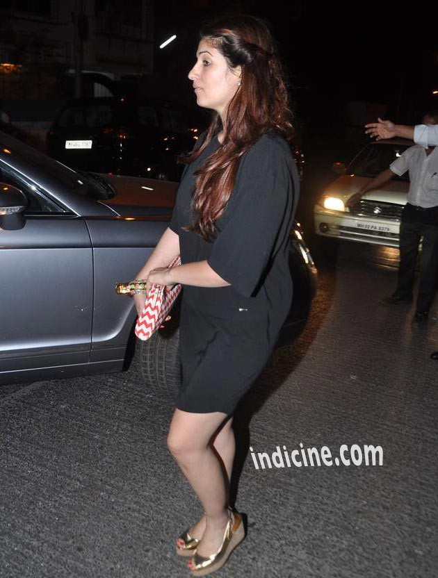 Twinkle Khanna snapped at Bandra