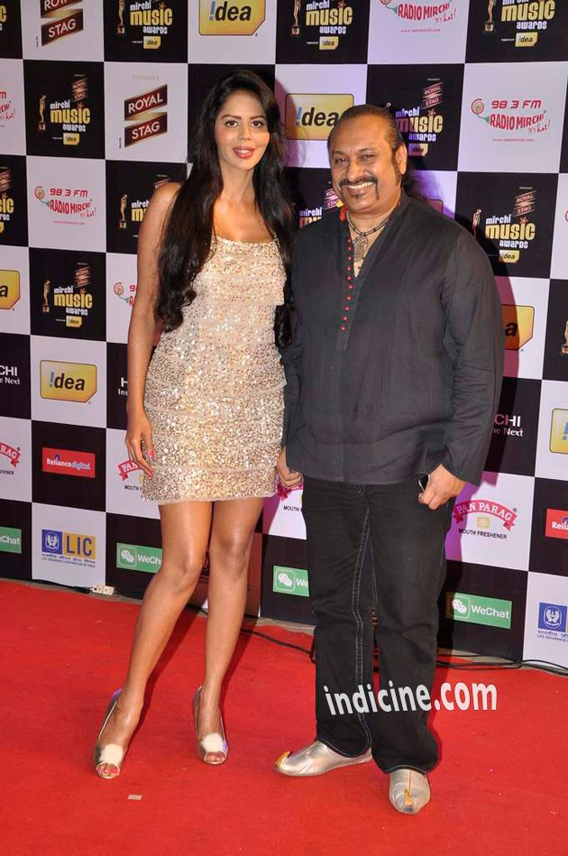 Bhairavi Goswami, Leslie Lewis at Mirchi Music Awards