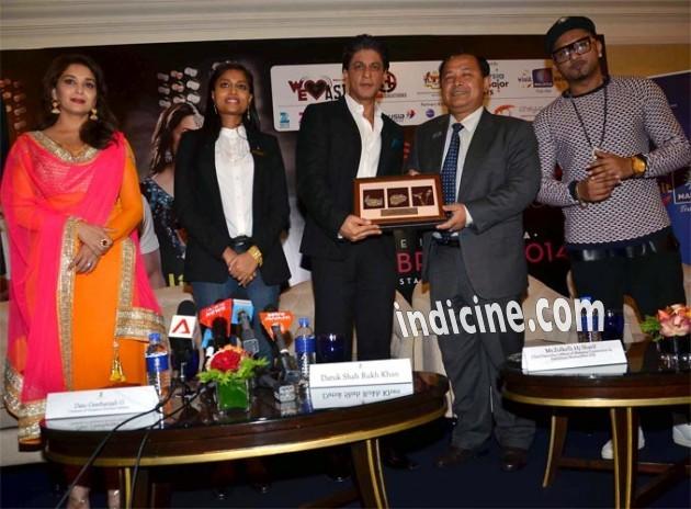 SRK, Madhuri Dixit at Temptation Reloaded press meet in Malaysia