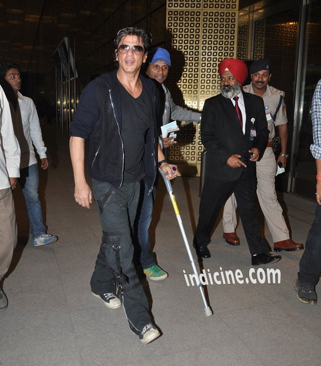 SRK departs for Malaysia Concert