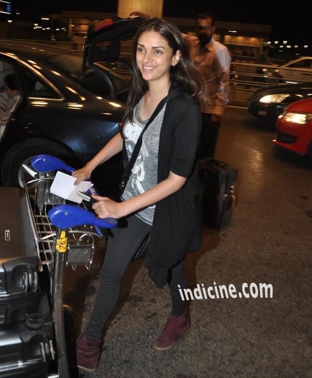 Aditi Rao Hydari leaves for IIFA