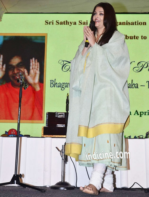 Aishwarya Rai Bachchan addresses media