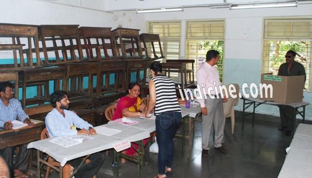 Ajay Devgan casting his vote