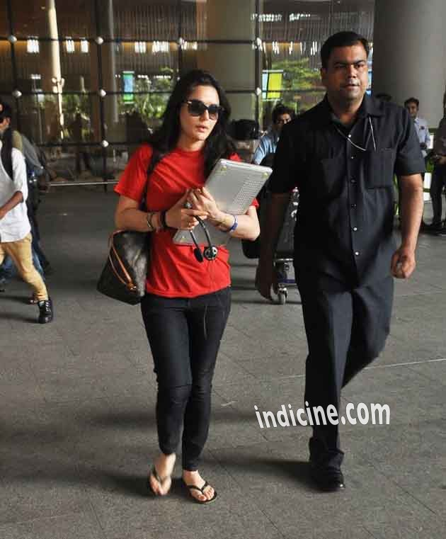Preity Zinta snapped at the airport