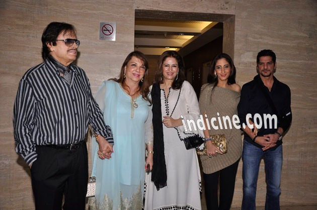 sanjay khan wife photos