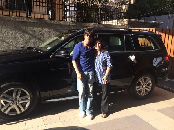 Shahrukh Khan gifts a black Mercedes to Farah Khan