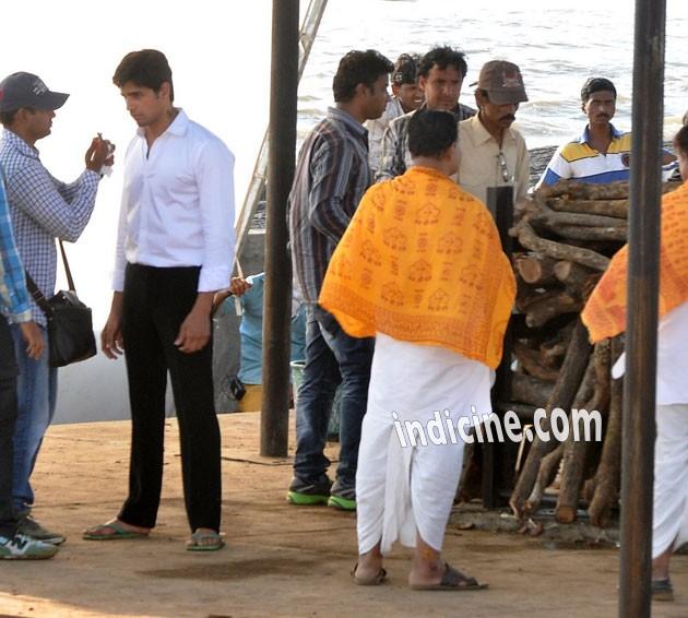 Sidharth Malhotra snapped on Ek Villain Sets
