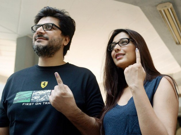 Sonali Bendre and Goldie Behl after casting their vote