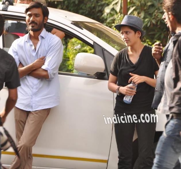Dhanush with Akshara shooting for R Balki's Shamitabh