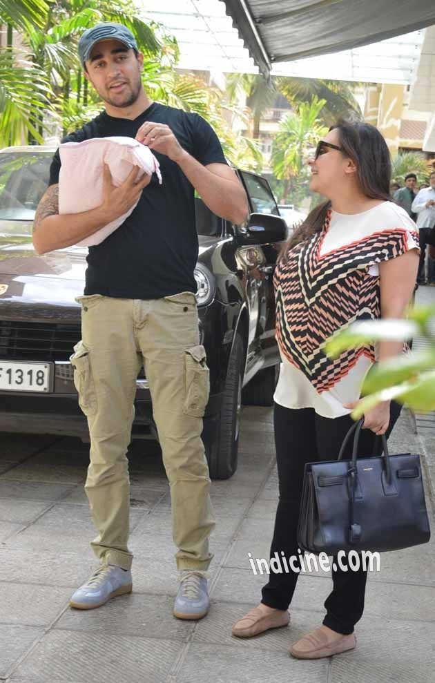 Imran Khan snapped with wife Avantika Malik and newborn daughter