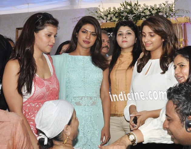 Priyanka Chopra with sister Parineeti Chopra
