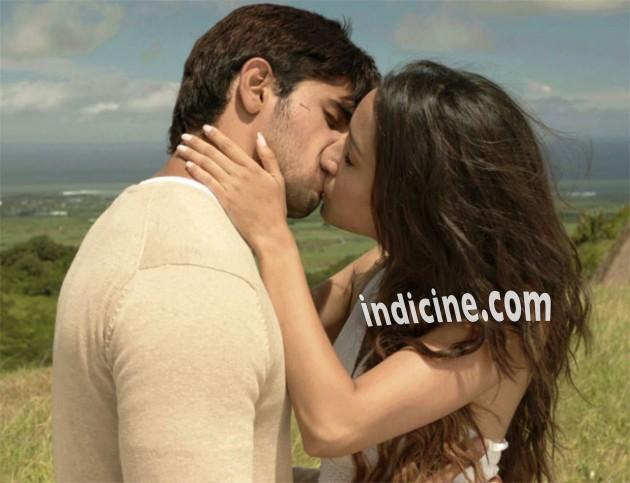 Shraddha Kapoor Hot Kiss
