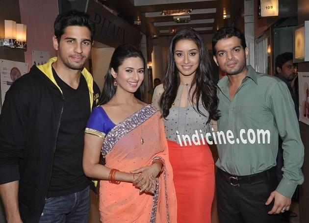 Sidharth Malhotra, Divyanka Tripathi, Shraddha Kapoor and Karan Patel on the sets of Yeh Hai Mohabbatein