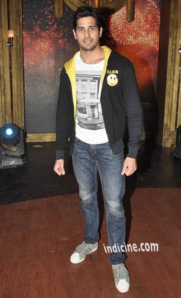 Sidharth Malhotra promotes Ek Villain on Entertainment Ke Liye Kuch Bhi Karega