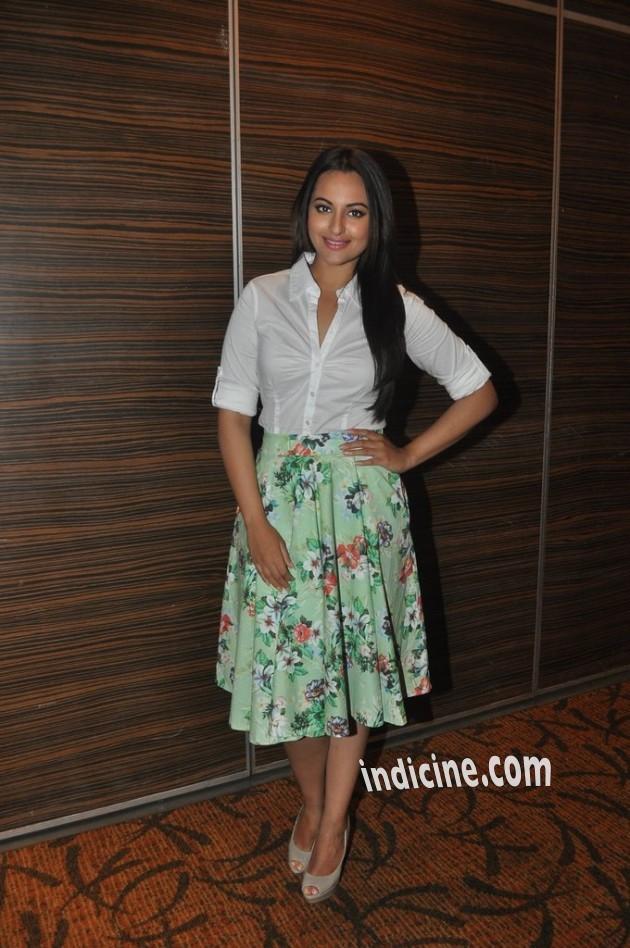 Sonakshi Sinha snapped at Novotel