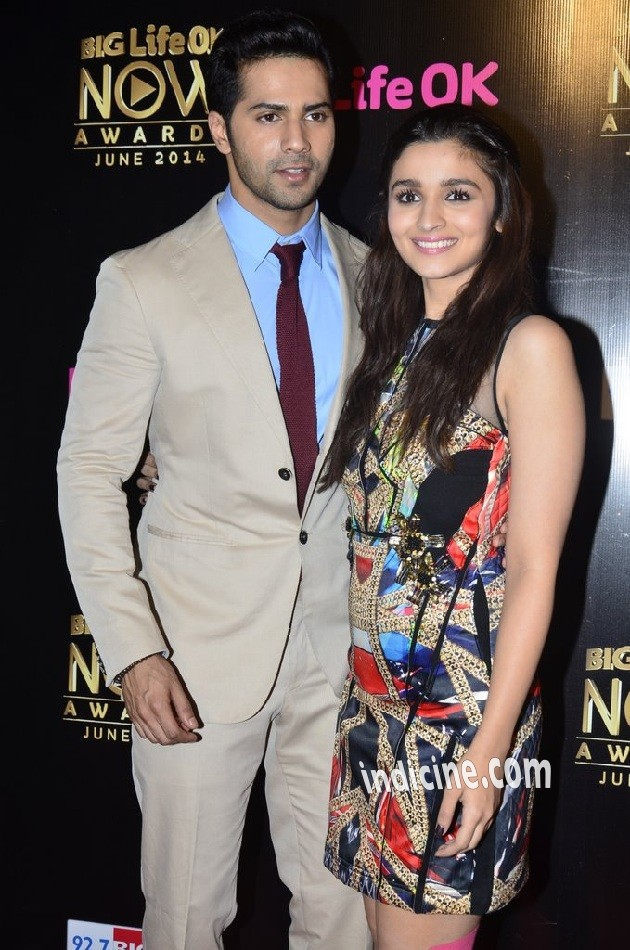 Varun Dhawan, Alia Bhatt at Big Life OK Now Awards 2014