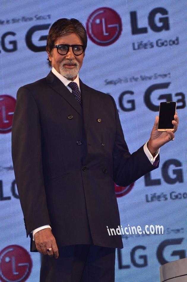 Amitabh Bachchan launches LG G3 smart phone