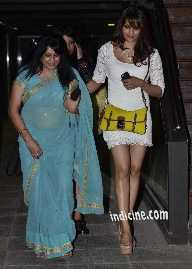 Bipasha Basu with mother Mamata Basu