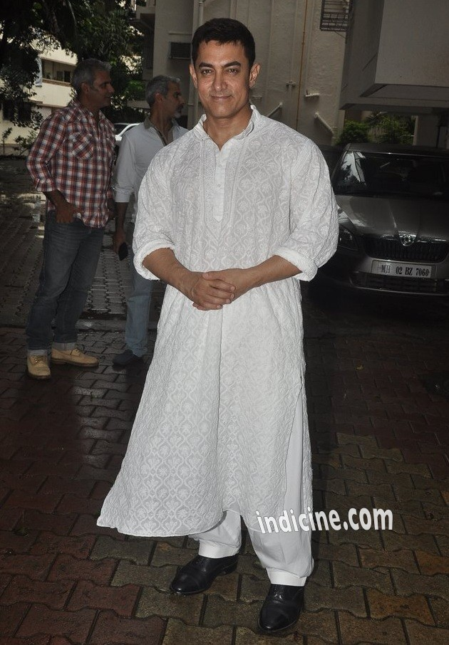 Aamir Khan celebrates Eid