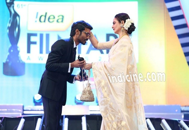 Dhanush, Rekha at Idea Filmfare awards