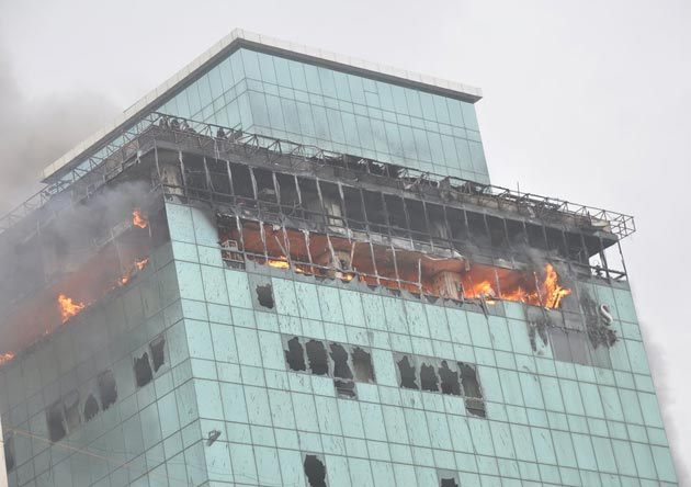 Hrithik Roshan and Ajay Devgan's Mumbai office building catches fire