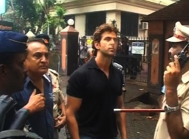 Hrithik Roshan visits his Mumbai office building