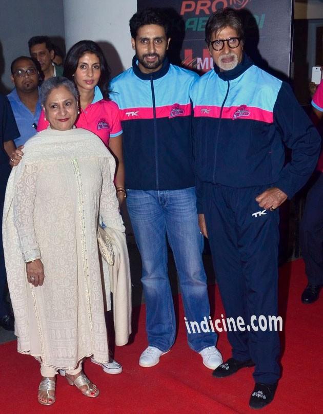 Jaya Bachchan, Shweta Nanda, Abhishek Bachchan and Amitabh Bachchan