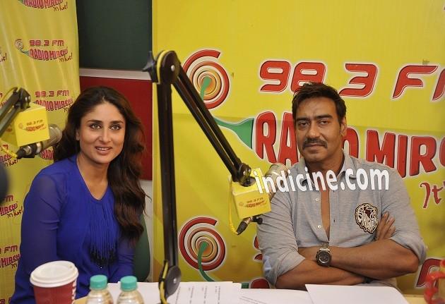 Kareena Kapoor, Ajay Devgan promote Singham Returns on 98.3 FM Radio Mirchi