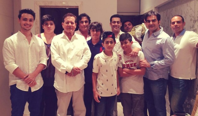 Salman Khan celebrates Eid with family