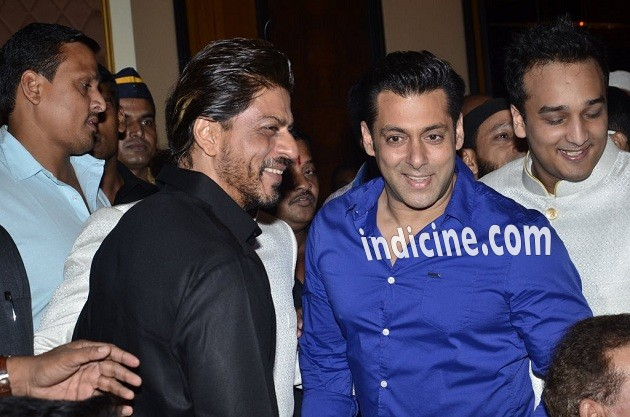 Shahrukh Khan, Salman Khan at Baba Siddiqui's Iftaar party