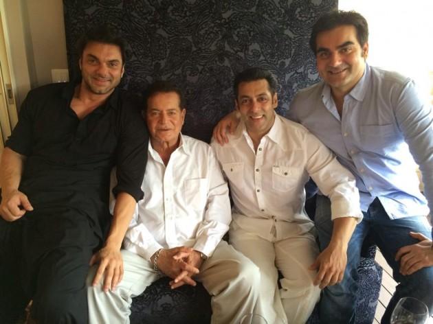 Sohail Khan, Salim Khan, Salman Khan and Arbaaz Khan