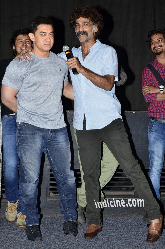 Aamir Khan, Makrand Deshpande at the special screening of Saturday Sunday