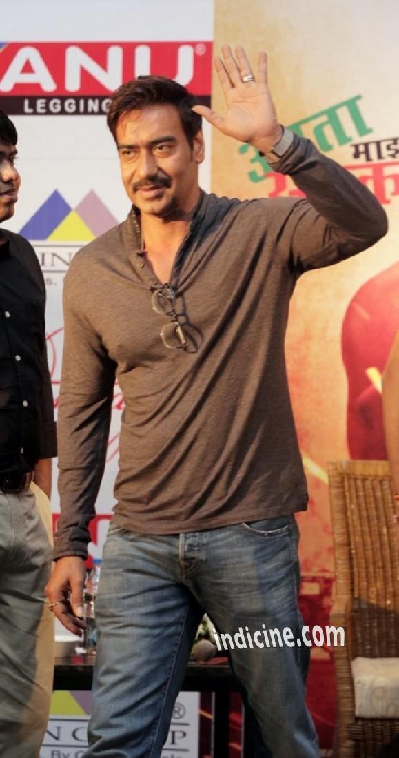 Ajay Devgan promotes Singham Returns in Kolkata