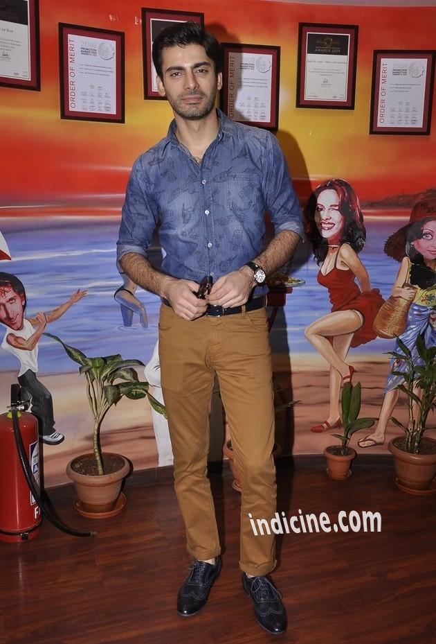 Fawad Khan promotes Khoobsurat