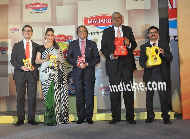 Nitesh Shahra, Madhuri Dixit, Dinesh Shahra, Satendra Aggarwal and Alok Mahajan