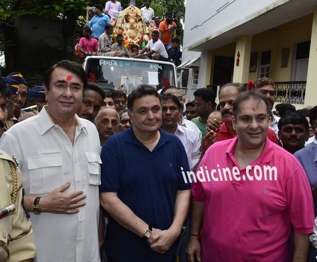 Randhir Kapoor, Rishi Kapoor and Rajeev Kapoor at Ganpati visarjan