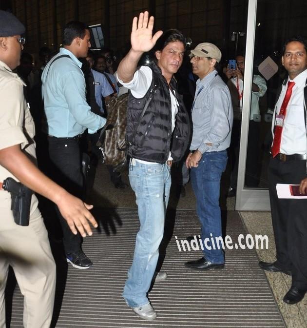 SRK leaves for Slam The Tour