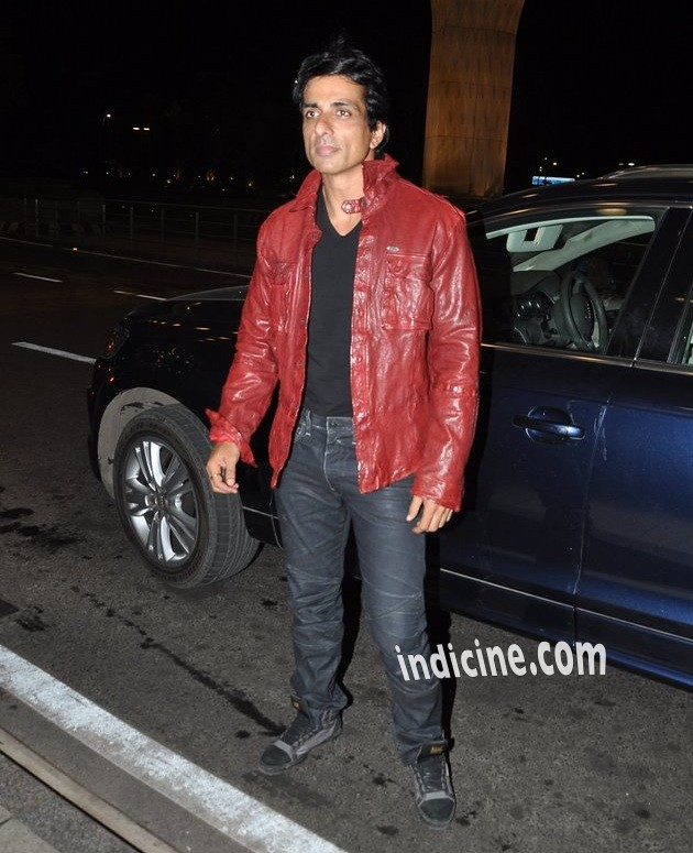 Sonu Sood leaves for Slam The Tour