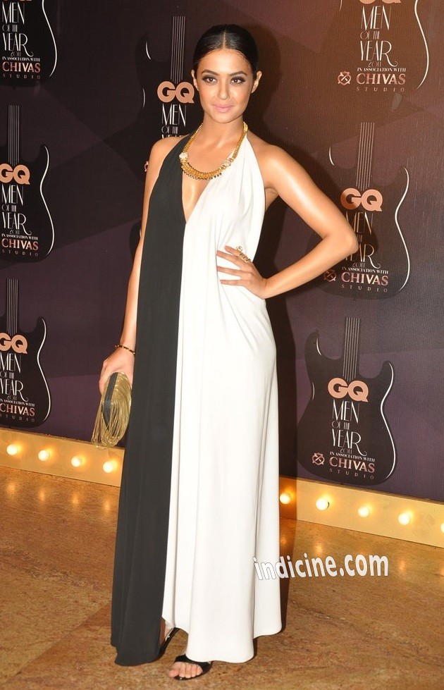 Surveen Chawla at GQ awards 2014
