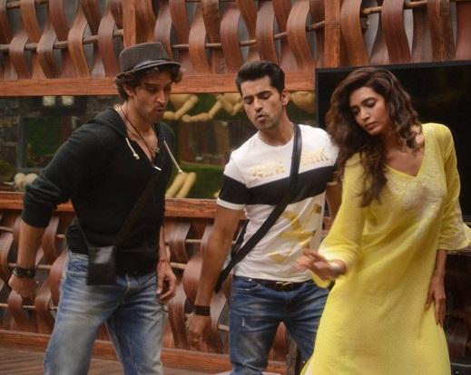 Hrithik Roshan plays Peacemaker for Gautam Gulati and Karishma Tanna