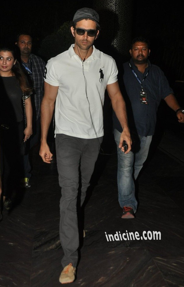 Hrithik Roshan snapped at Suburban Hotel