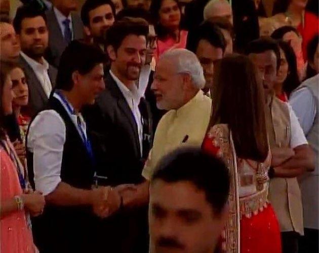 Shahrukh Khan and Hrithik Roshan greet Prime Minister ...