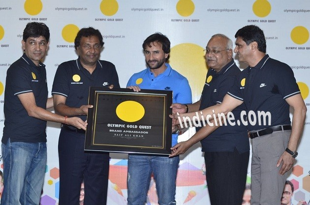Saif Ali Khan felicitates the winners of 2014 Asian games