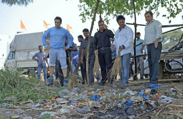Salman Khan participates in Swachh Bharat Abhiyan