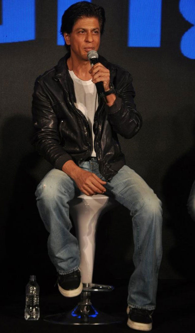 Shahrukh Khan celebrate the success of mobile game