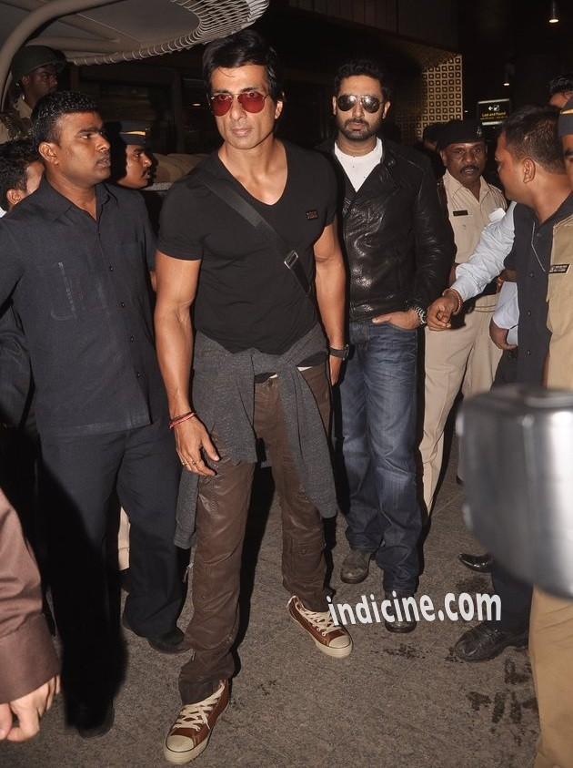 Sonu Sood, Abhishek Bachchan return from Slam The Tour