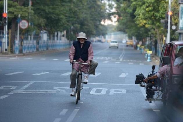 Amitabh Bachchan rides a bicycle for Piku