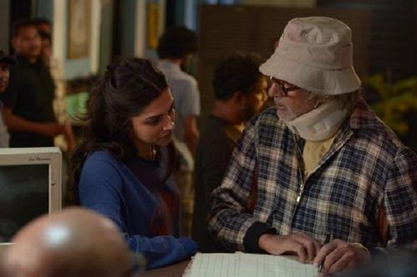 Deepika Padukone, Amitabh Bachchan on the sets of Piku